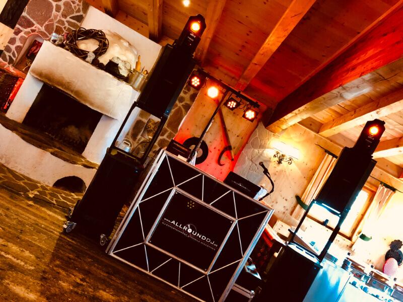 DJ-setup AllroundDJ Harry Garcia im Forsthof