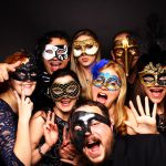 Fotobox Motto Maskenball Requisiten